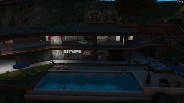 Rich Vinewood Pool Party